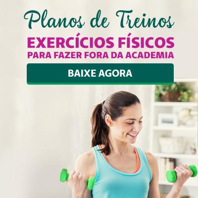 Mulher praticando musculação em casa.