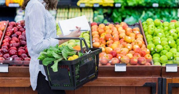Vai às compras? Confira as escolhas alimentares de 3 nutricionistas no supermercado