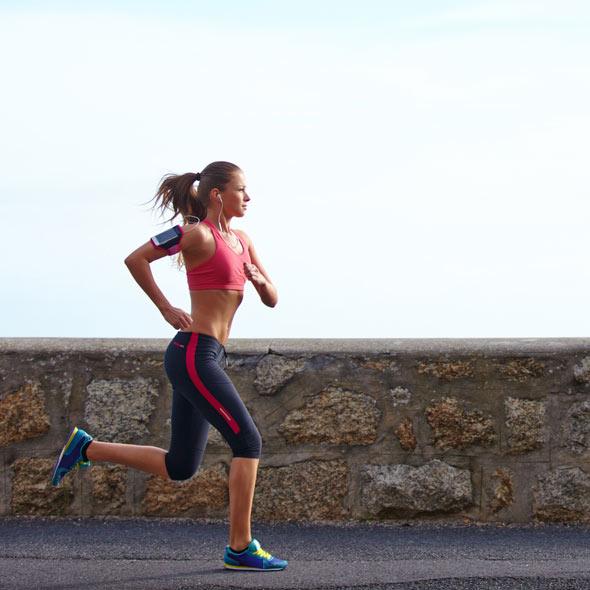 Correr em jejum faz mal? Saiba como evitar resultados indesejados