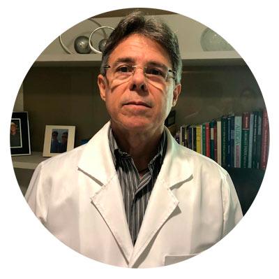 Foto do médico otorrinolaringologista Dr. Eduardo Bezerra