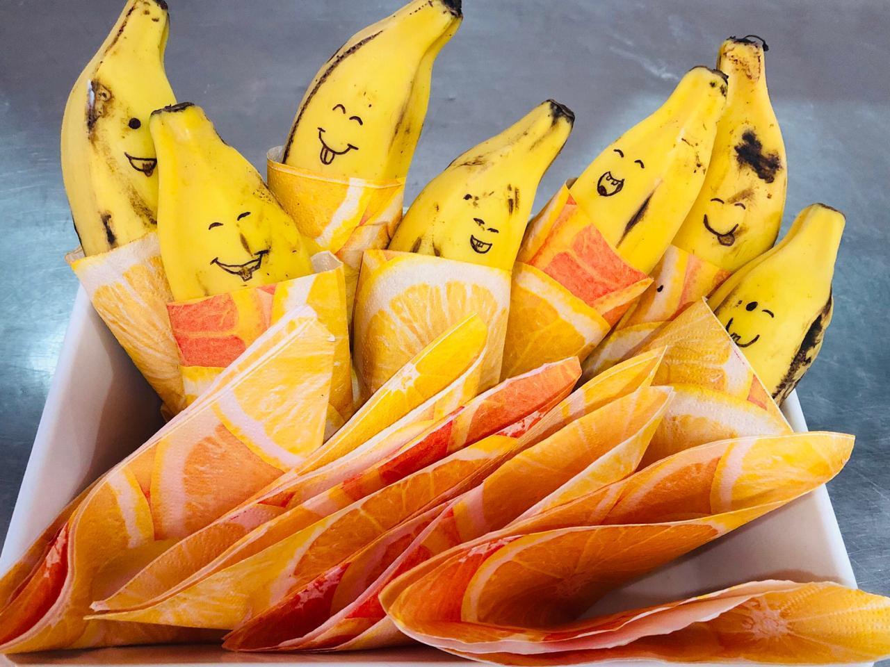bananas-com-desenhos-de-olhinhos-e-boquinhas-em-suas-cascas