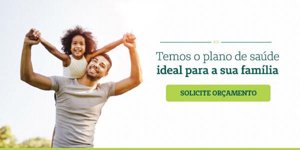 """banner com imagem de pai e filha em momento de diversao com a frase """"temos o plano ideal para a sua família"""""""