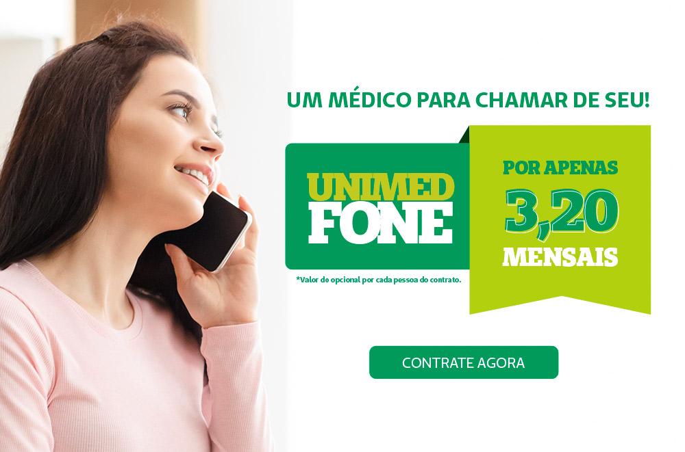 Mulher com telefone na mão e o texto lateral direito 'Unimed Fone por apenas 3,20' o botão de contratar agora