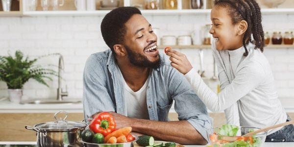 Quem tem refluxo pode comer o quê? Saiba quais alimentos incluir na sua dieta