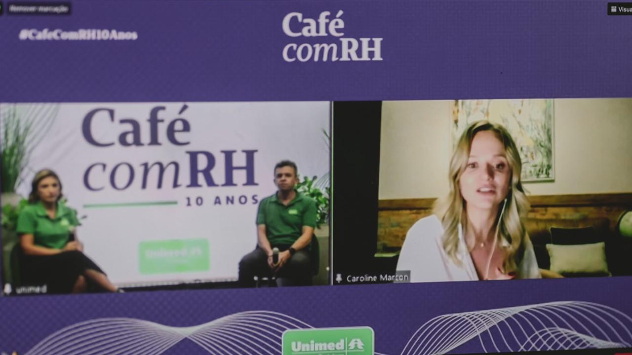 Tela do Café com RH no notebook