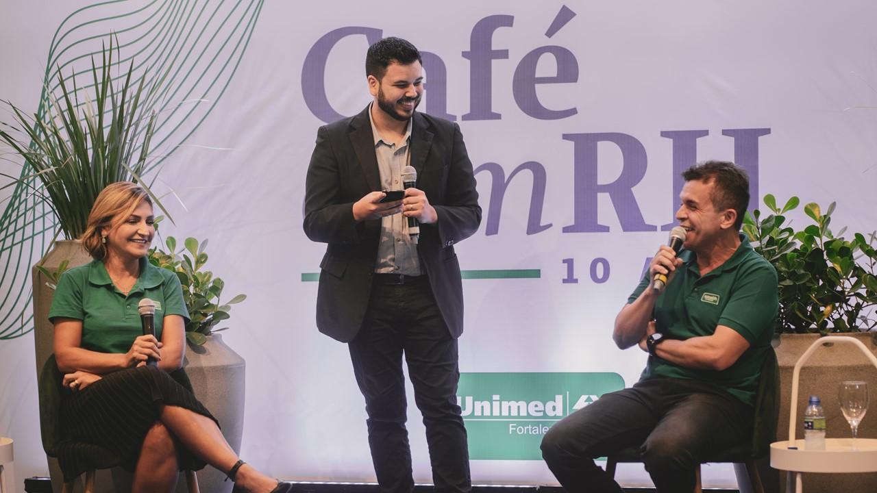 13º Café com RH celebra 10 anos de evento e tem Tiago Mattos e Martha Gabriel